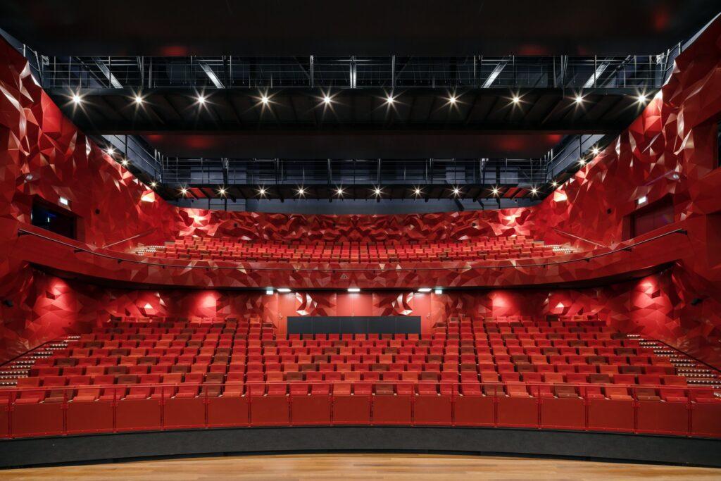 نمای داخلی تئاتر