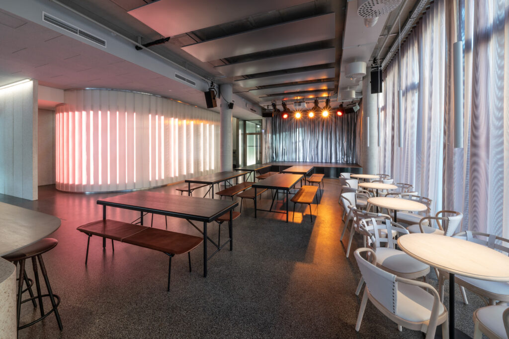 طراحی فضای کافه